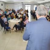 Cerca de 120 lideranças empresarias, políticas e comunitárias acompanharam a palestra - Crédito: Priscila Rodrigues