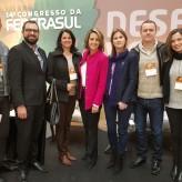 Comitiva da Acil com a presidente da Federasul, Simone Leite, no congresso da entidade - Crédito: Divulgação
