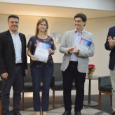 Cópia final do relatório foi entregue por Carioni à Acil, Prefeitura e Univates - Crédito: Lucas Santos