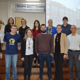 Parceria: representantes das entidades parceiras do Evoluir, palestrantes e representantes do Colégio Castelo Branco - Crédito: Lucas Santos