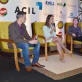 Fábio Locatelli e Aline Bagatini encaminharam as perguntas à convidada - Crédito Priscila Rodrigues