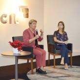 Presidente Aline e Ana Amélia interagem com o público - Priscila Rodrigues