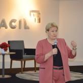 Senadora fechou ciclo de reuniões-almoço 2018 da Acil - Priscila Rodrigues