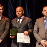 Soares (C), com membros da comissão julgadora do prêmio - Marcelo Bertani Agência ALRS