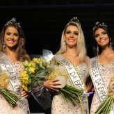 Nova corte sucede as soberanas de 2016 Ana Júlia Berté, Paola Sionara Lagemann e Pietra Charão Toffani - Crédito: Objetivo Fotografia
