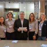 Colaboradores da Cooperativa acompanharam a assinatura do contrato junto com Poersch - Crédito: Roberta Colombo